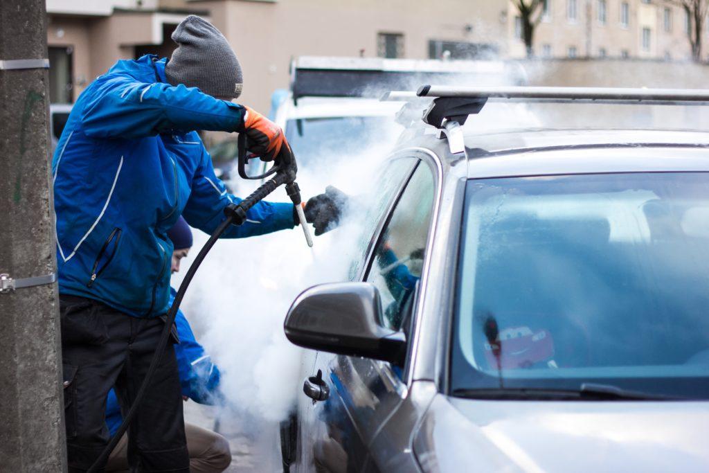 UpSteam: Auto puhtaks pesulasse minemata